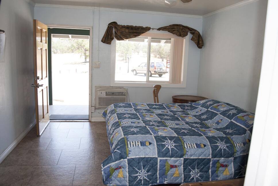 med_room-interior-king