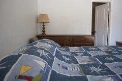 med_room-king-dresser